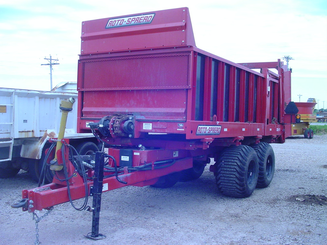 New ROTO-SPREAD Manure Spreader Trailer